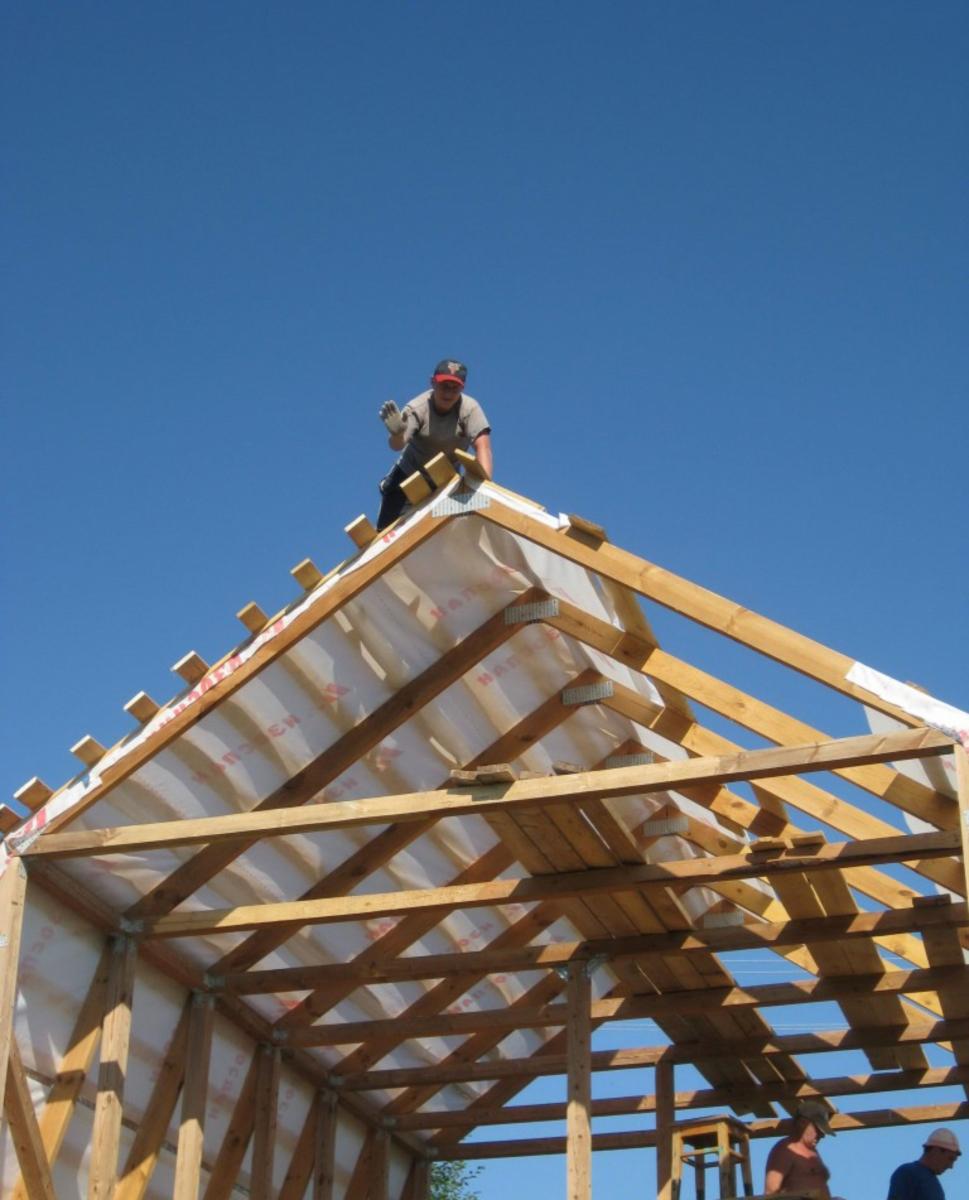 Как поставить крышу дома своими руками 41
