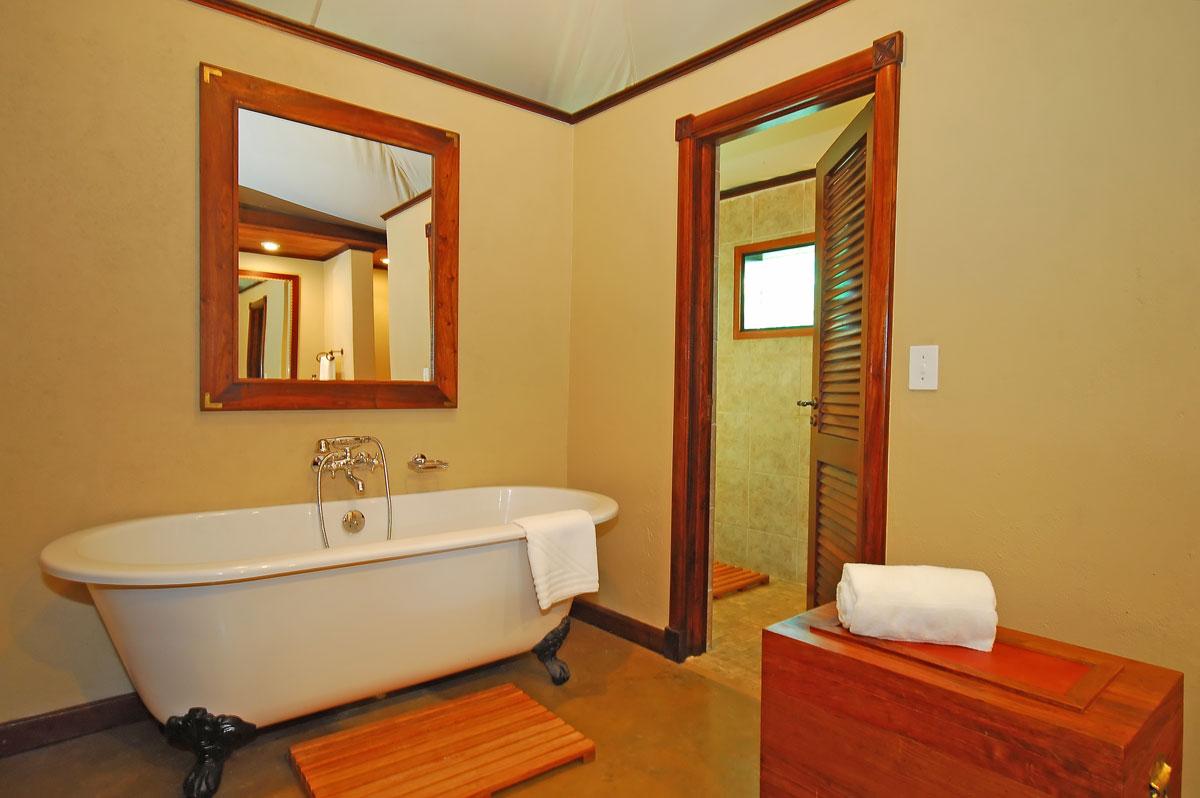 Красить ванную комнату своими руками 71
