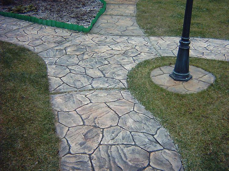 Искусственные камни из бетона для ландшафтного дизайна