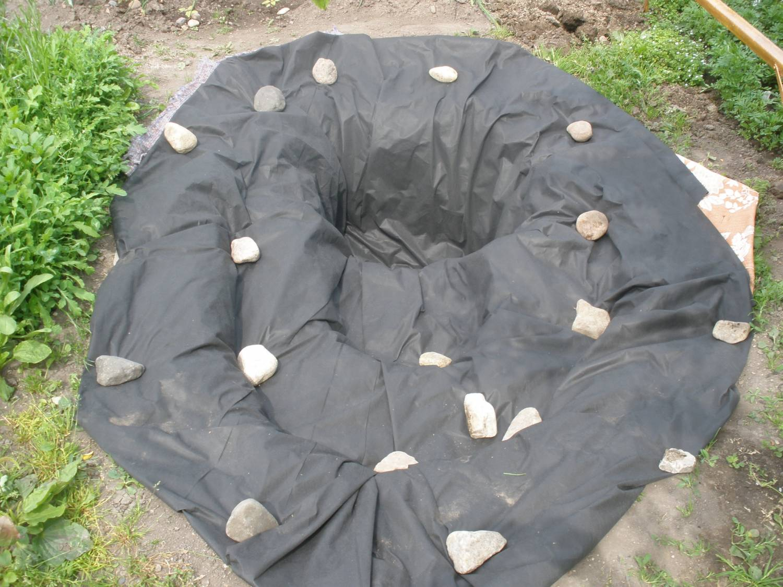 Как сделать декоративный пруд из пленки на даче своими руками