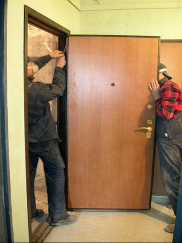 Устанавливаем входную дверь своими руками фото