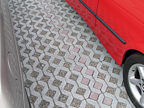 Бетонная решетка для парковки
