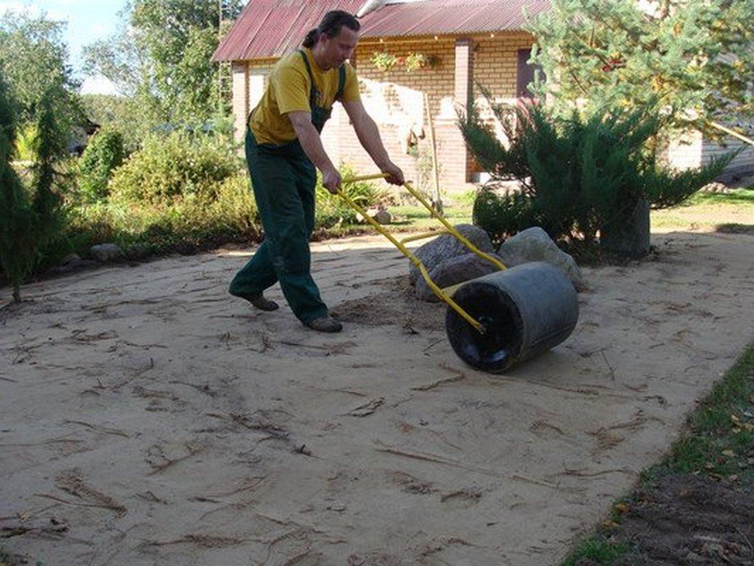 Утрамбовка песка своими руками 2
