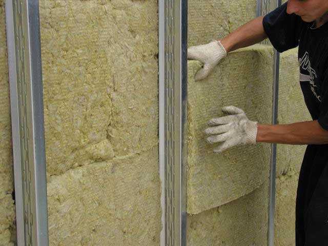 Як правильно виконувати монтаж базальтової вати