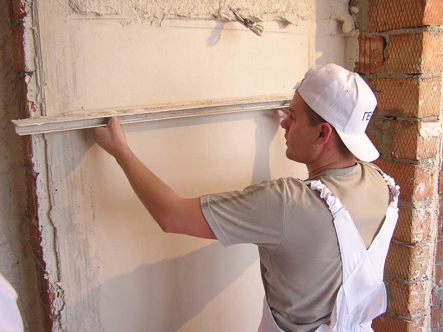 Выравнивание стены штукатуркой своими руками 158