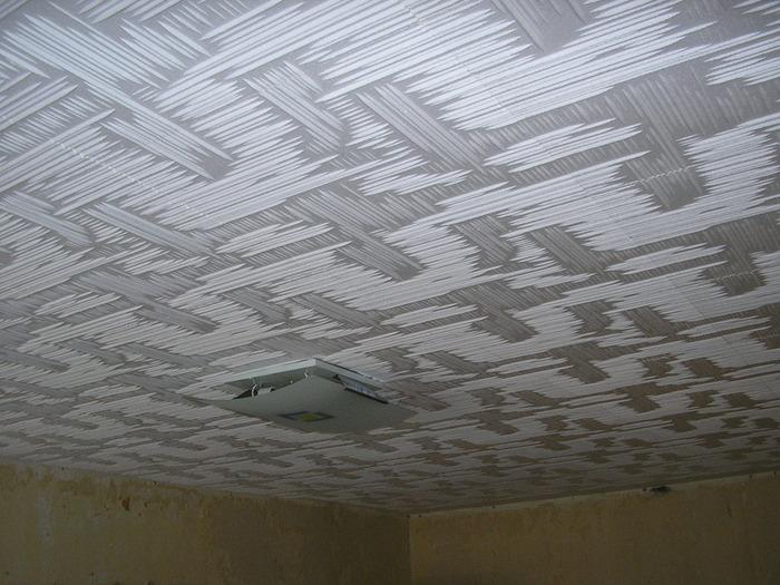 Как заделывать швы в потолочной плитке