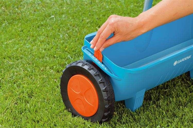 Сеялка ручная для газонной травы