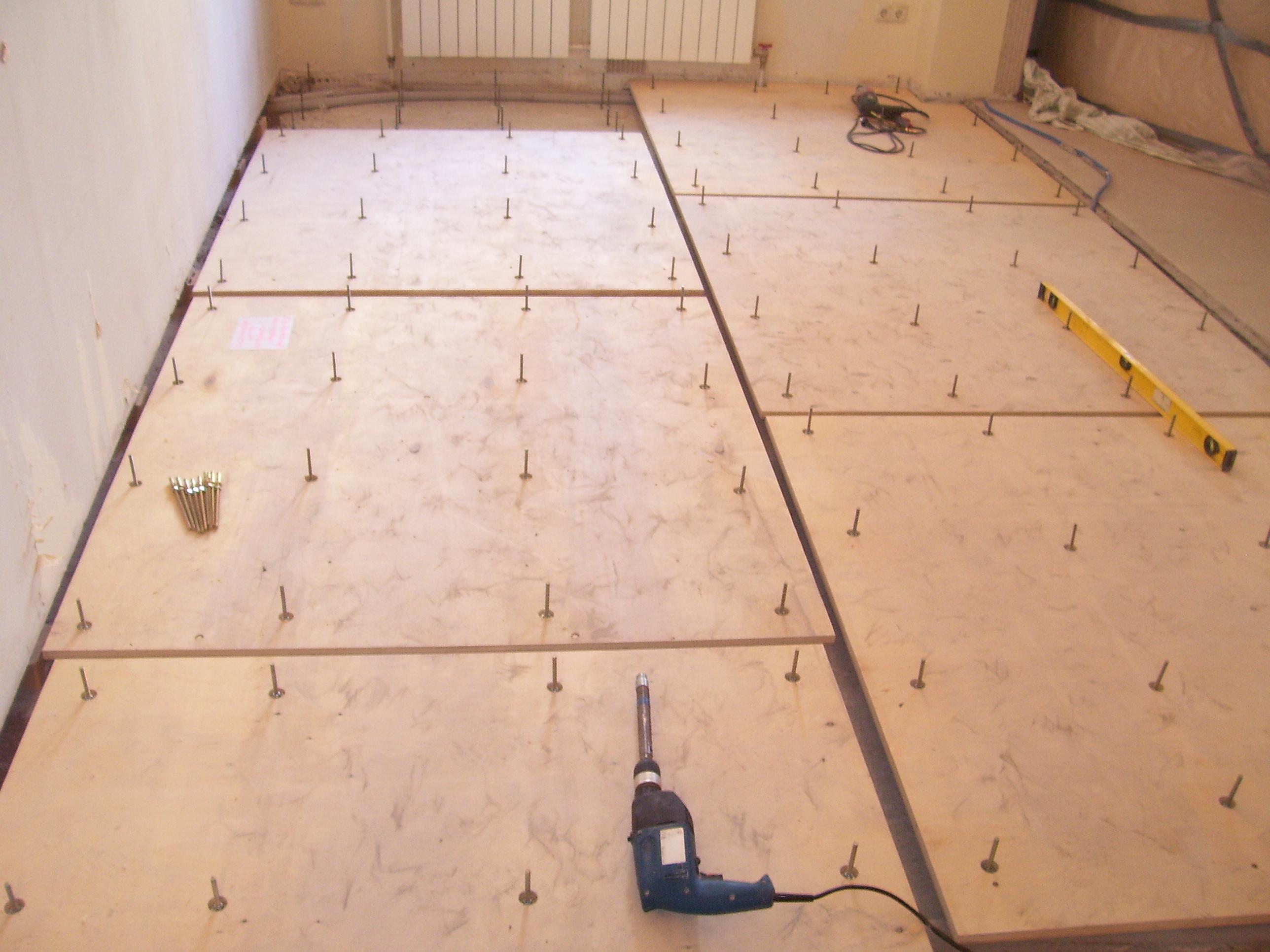 Как укладывать ламинат на бетонный пол своими