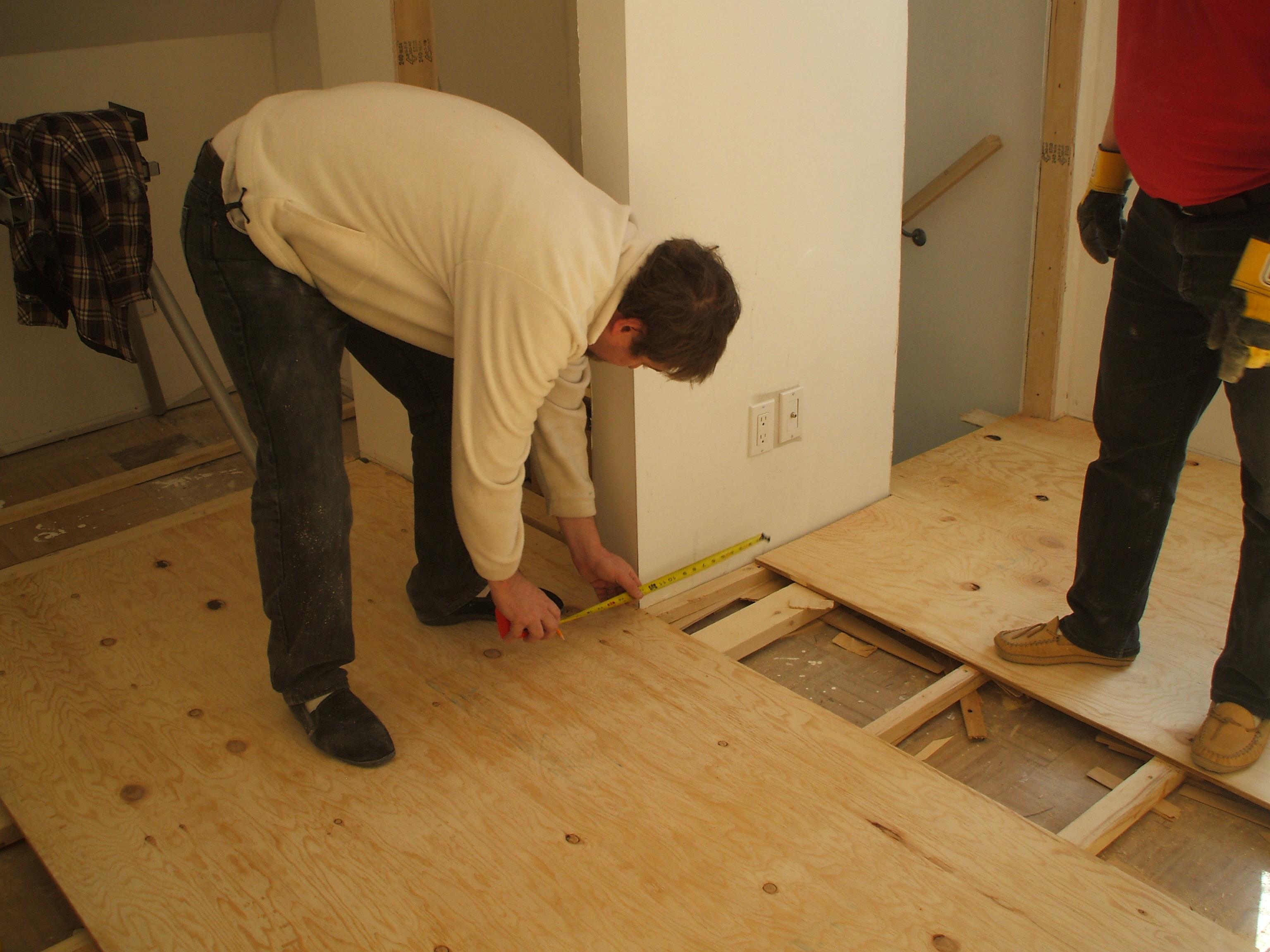 Укладка фанеры на бетонный пол своими руками: крепление 79