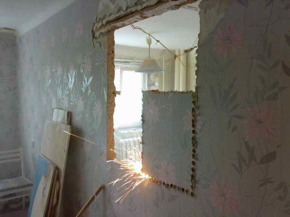 Как сделать окно в стене фото 590