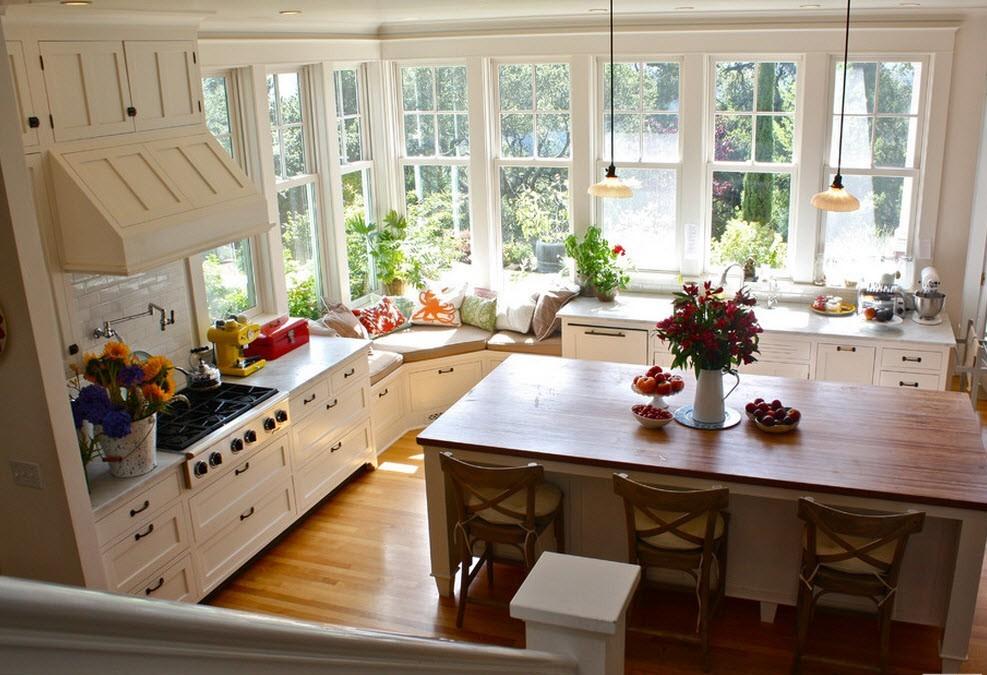 Большое окно на кухне фото