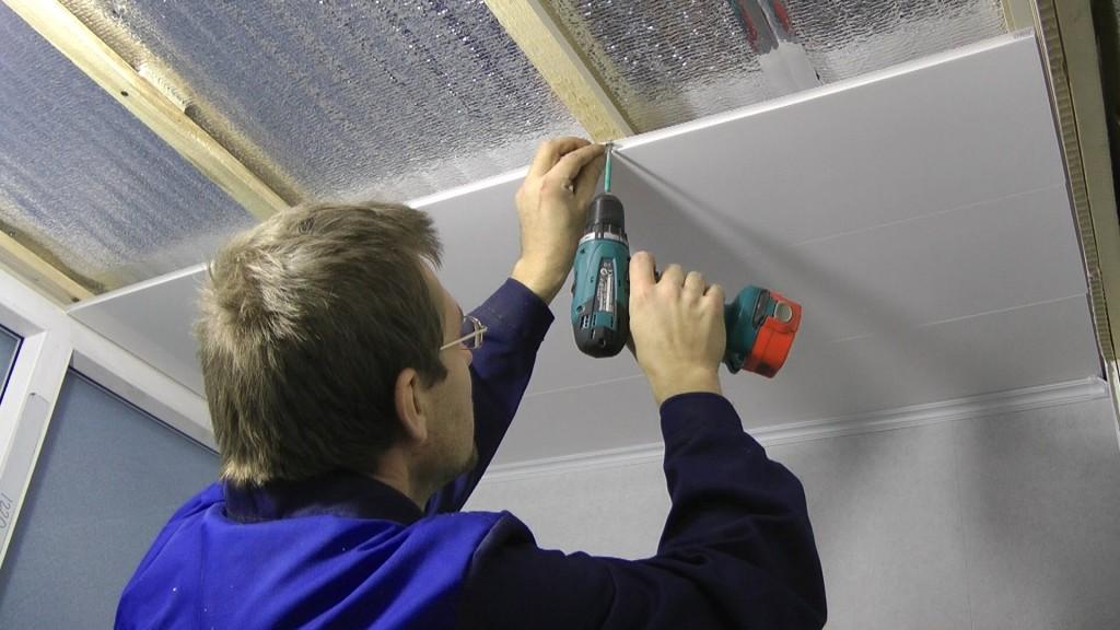 Пластик что сначала потолок или стены