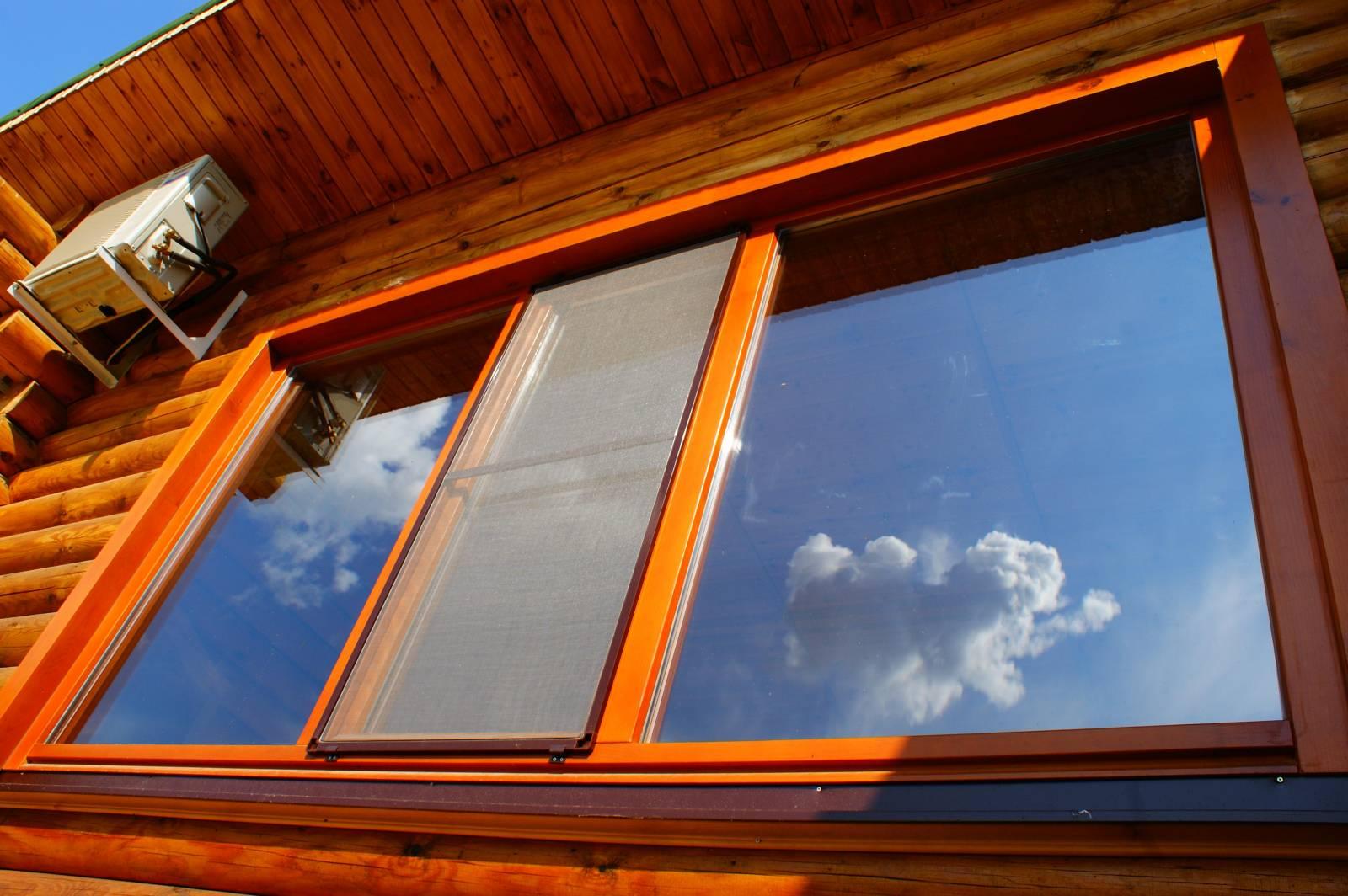 Как сделать из трех окон два в деревянном доме9
