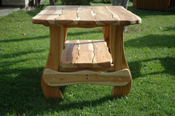 Красивый стол из дерева своими руками