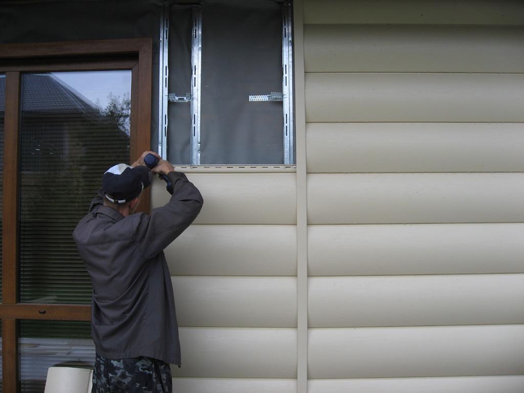 Отделка виниловым сайдингом деревянного дома своими руками