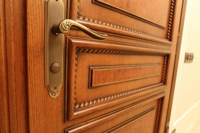 Деревянные межкомнатные двери – Купить в СПб от