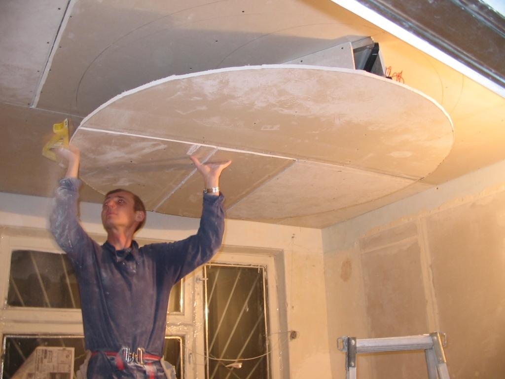 Потолок из гипсокартона сделать своими руками с подсветкой