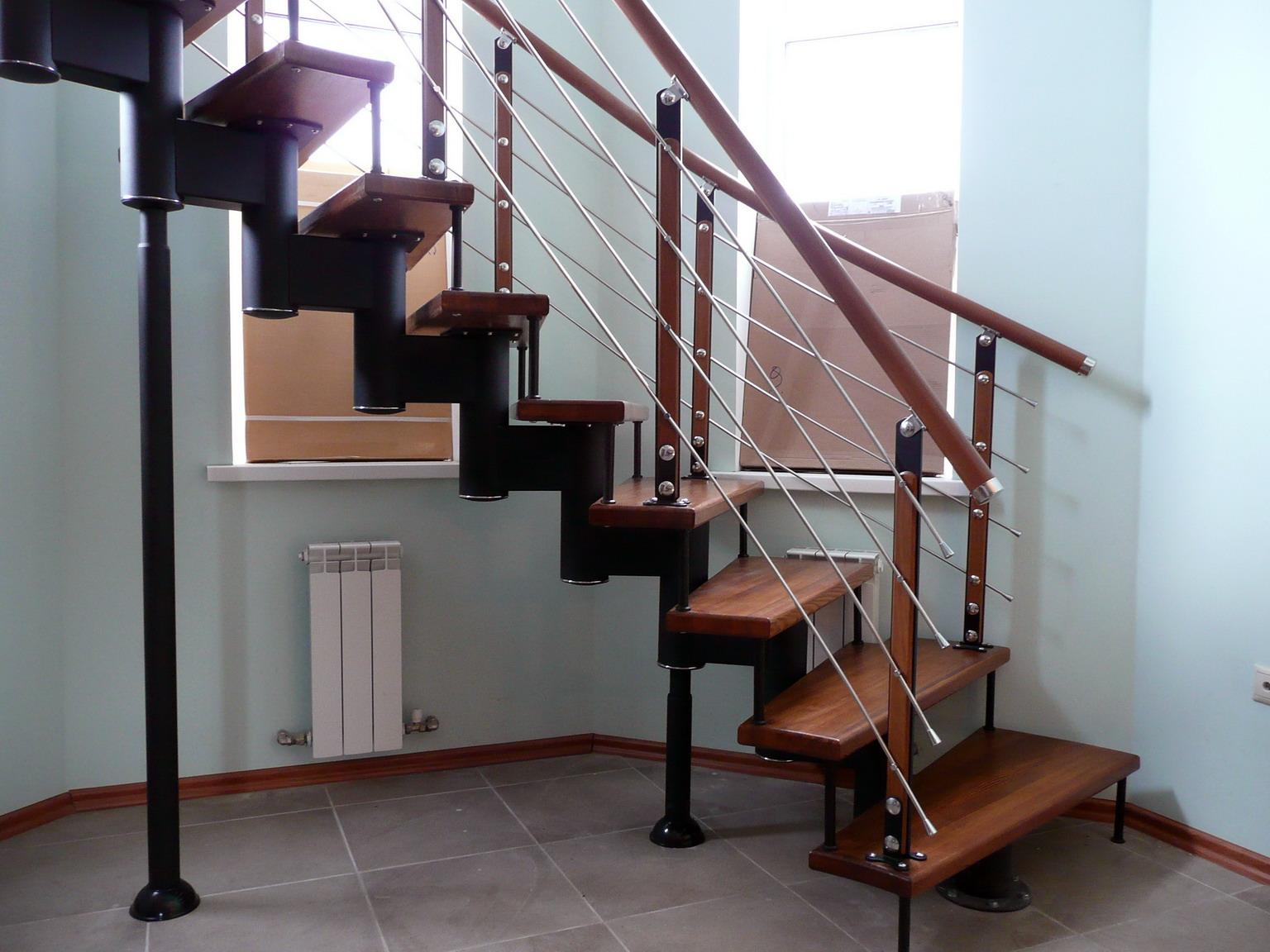 Купить ограждение деревянных лестниц - перила (поручни