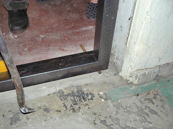 Монтаж своими руками стальной двери